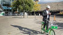 Lime begins its UK push with dockless e-bikes