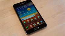 1 million Galaxy Notes shipped worldwide, US fans throw money at their screens