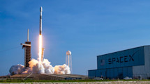 SpaceX wins contract to make US missile tracking satellites