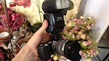 Hot shoe adapter for Sony NEX-5 and NEX-5N gets the hands-on treatment