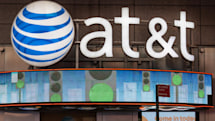 AT&T gives customers 'bonus' data (and a $10 price hike)