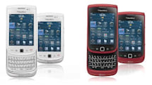 BlackBerry Torch now burns in red and white hues at AT&T stores