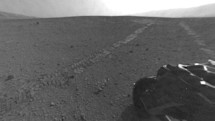 Mars Curiosity leaves its landing area, heads to distant frontier a quarter-mile away