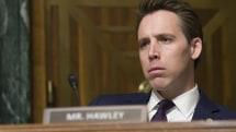 Senator wants to ban 'addictive' social network features in new bill