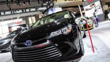 Toyota will make automatic braking near-standard by 2017