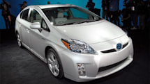Next-gen Prius now official, uses solar panels to keep car cool