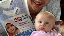 Babyglow temperature sensing clothing: because you're dumber than your newborn