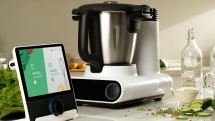 The Julia smart cooking system even washes itself up