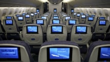 United, American Airlines allow electronics use during takeoff and landing too