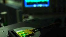 The world's smallest radio works through tiny diamond flaws
