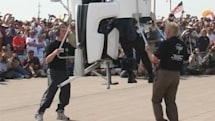 Martin Jetpack officially unveiled, lifts off on video