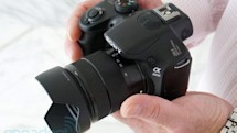 Sony's DSLR-like Alpha A3000 mirrorless camera ships next month for $399 (hands-on video)