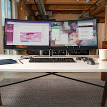HP's new ultrawide monitor can show two device's screens at once