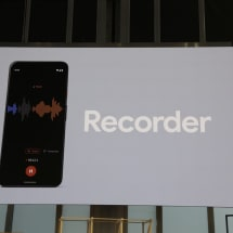 The Pixel 4's Recorder app can capture and transcribe simultaneously