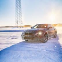 BMW's i4 electric sedan will boast a 373-mile range