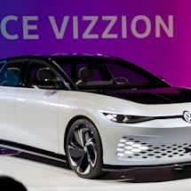 Volkswagen's Space Vizzion concept brings electricity to a wagon