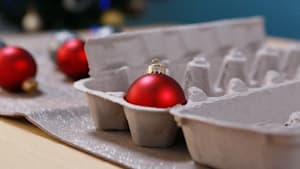 5 Packing Hacks for Holiday Décor
