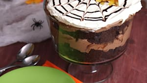 Halloween Spider Trifle Is a Fan-Favorite