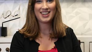 Activist Sarah McBride gives inspiring words to young LGBT+ people