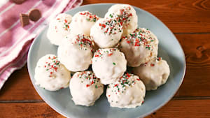 Rice Krispie Snowballs Are The Perfect Holiday Treat