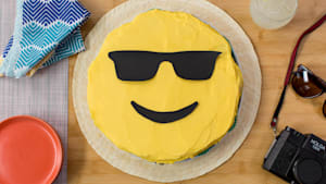Pull-apart emoji cake