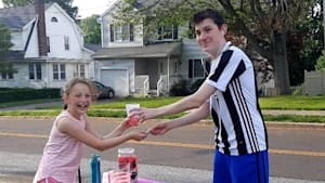 Texas legalizes sidewalk lemonade stands run by kids