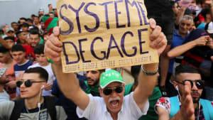 Zum 17. Mal: Demonstration gegen Übergangsregierung in Algier