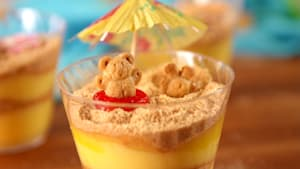 These beach pudding cups are too cute to handle