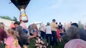 Hot air balloon crashes at Missouri festival