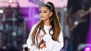 Ariana Grande explains breaking down at concert
