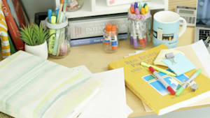 Learn to organize your dorm room with these tricks