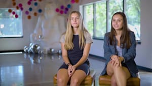 These two teen sisters created a bath bomb company when they were kids