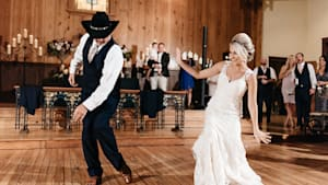 Amazing father-daughter wedding dance