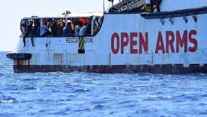Seenotrettung: EU-Kommission ruft zur Geschlossenheit auf - Migranten warten