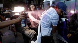 Mexiko-Stadt: 17 Verletzte bei Frauendemonstration gegen Polizeigewalt