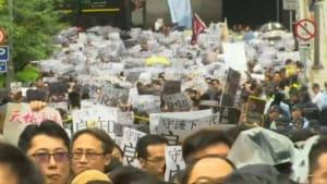 """11. Protest-Wochenende in Folge: """"Die Regierung macht mich immer wütender"""""""