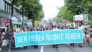 Zürich: Veganer demonstrieren für Tierrechte