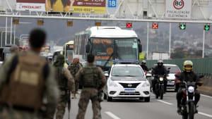 37 Menschen in Bus festgehalten: Scharfschütze erschießt Geiselnehmer