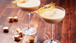Crème Brûlée martinis are a genius caramel hack