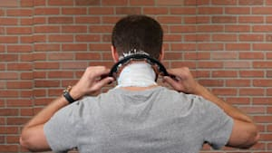 Grooming gadget helps shave the back of your neck