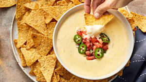 How to make the perfect queso dip