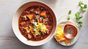 Slow cooker beef and sweet potato chili