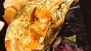 Restaurant serves a $100 'Golden Lobster Roll'