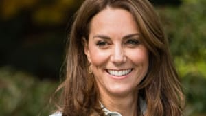Kate Middleton begeistert bei Überraschungsauftritt mit blumigem Look