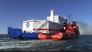 Schwimmendes russisches Atomkraftwerk erreicht Einsatzort in der Arktis