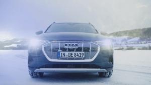 Audi e-tron auf Schnee und Eis - Audi driving experience in Schweden