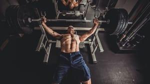 Gleichzeitig auf Kraft und Masse trainieren – das geht?!