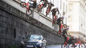 Biker shows off incredible tricks