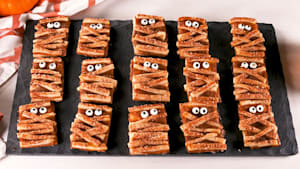 Pumpkin mummy cookies for any Halloween party