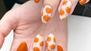 These nails might complete your Halloween look